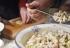 В России выросли траты на приготовление салата оливье